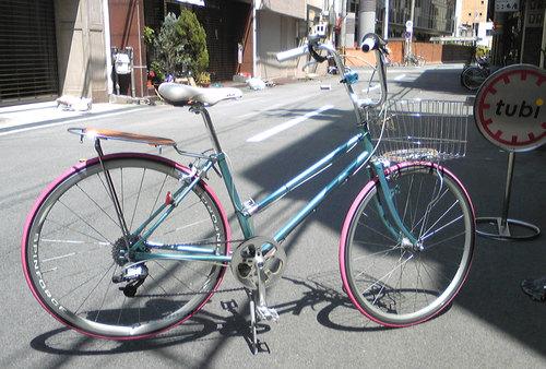 ママチャリ改造4号車4ピンクタイヤ